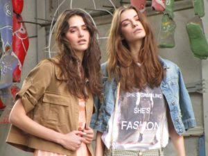 modelle_in_cittadella_del_carnevale_per_un_catalogo_fotografico_di_moda_(1)